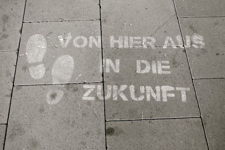 Fußabdruck auf Straße